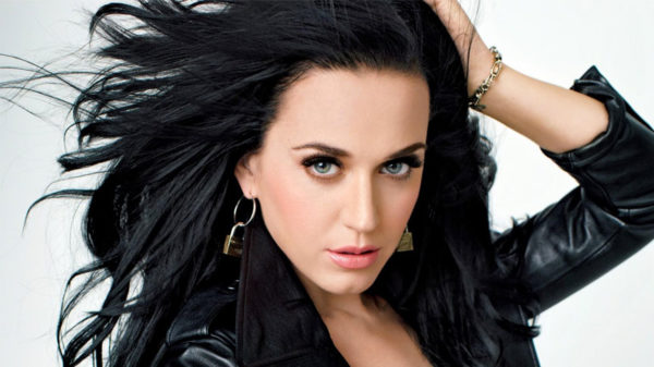 Photo Katy Perry pour Méditation Transcendantale génération Katy Perry