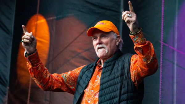 Photo de Mike Love pour Méditation Transcendantale